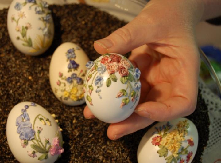 вышивка на яйце